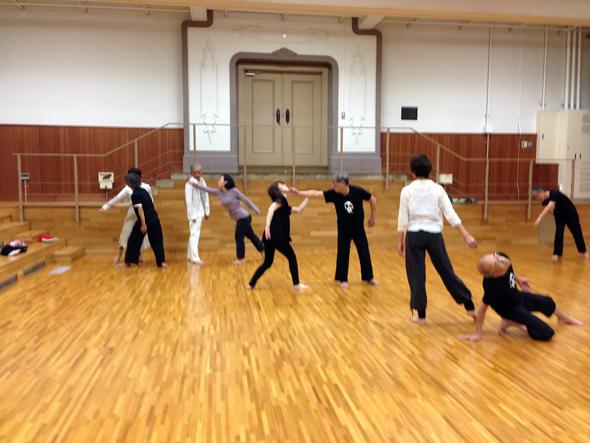 コミュニティダンス!みんなで踊ろう、創ろう、繋がろう!!