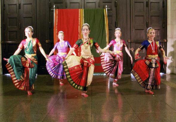 インド舞踊を踊ろう!